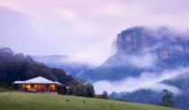 Emirates-Wolgan-Valley_Blue-Mountains_Heritage-Suite-and-mist_263x154