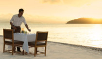 qualia_Great-Barrier-Reef_Pebble-Beach-Dining_263x154