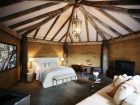 Pretty-Beach-House_Bouddi-Peninsula_Treetops-Bedroom - Click to view larger version