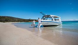 Saffire Boat Couple