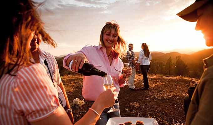 Arkaba_Flinders-Ranges_Sunset-Drinks680x400