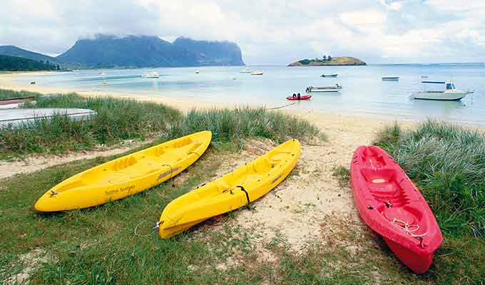 Capella-Lodge_Lord-Howe-Island_Canoes680x400