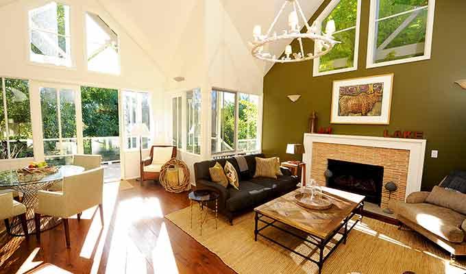 Lake-House_Daylesford_ Atrium680x400