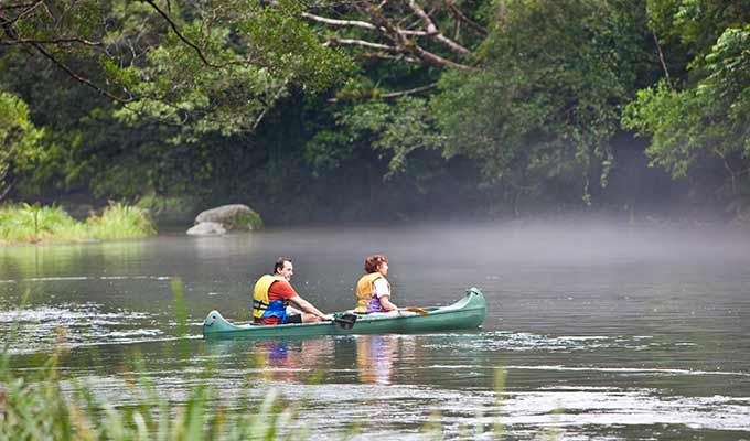 Silky-Oaks-Lodge_The-Daintree_Canoe680x400