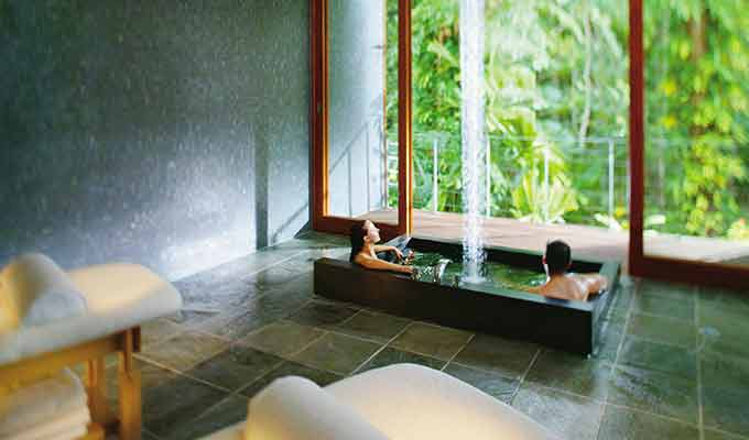 Silky-Oaks-Lodge_The-Daintree_Spa-Couple680x400
