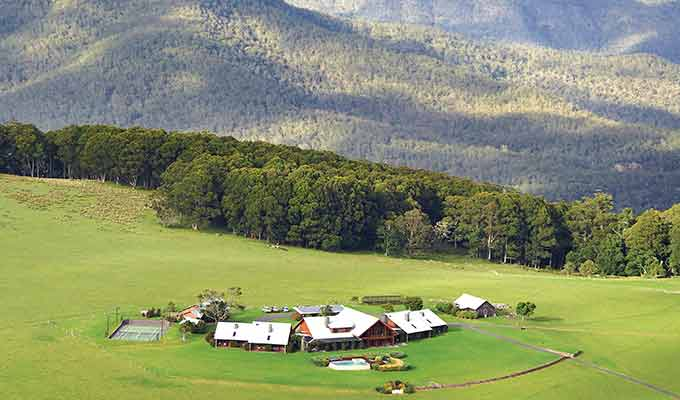 The Love Story Of Australia's Spicers Peak Lodge