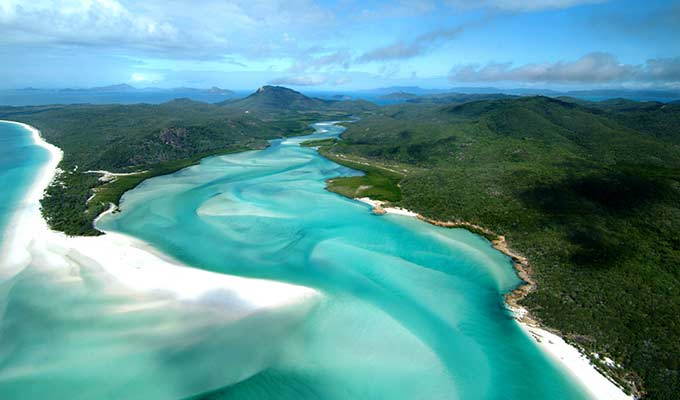 qualia's private yacht tour of Whitehaven Beach